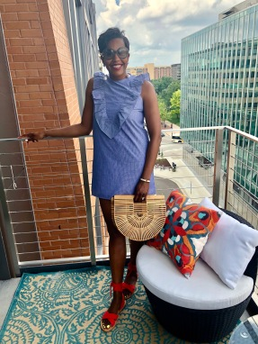 Sunglasses: here | Earrings: here | Dress: here | Bag: here | Sandals: here